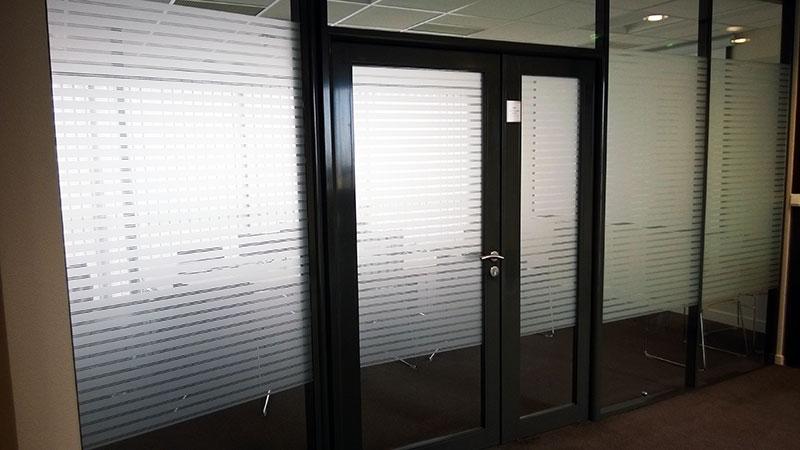 Décoration d'intérieur et intimité améliorée grâce au film bâtiment